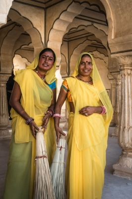 INDIA, RAJASTHAN  Ceramic Tour with Denys James